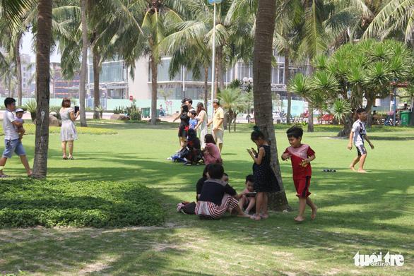 Nắng nóng, nghỉ lễ ngắn, người Đà Nẵng, Huế chọn điểm vui chơi đơn giản - Ảnh 6.