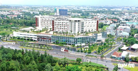Bệnh viện ngàn tỉ vắng bệnh nhân - Ảnh 1.