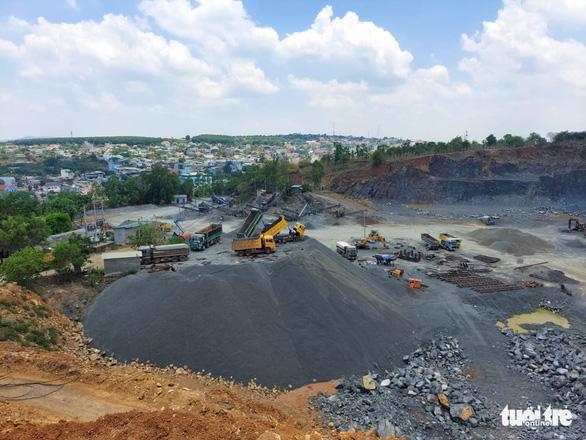 Mỏ khai thác đá hết hạn, doanh nghiệp vẫn tiếp tục… tận thu - Ảnh 2.
