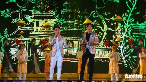 Đan Trường, Phi Nhung, Hiền Thục hát mừng Giỗ Tổ Hùng Vương - Ảnh 5.