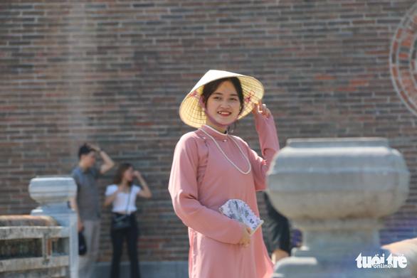 Nắng nóng, nghỉ lễ ngắn, người Đà Nẵng, Huế chọn điểm vui chơi đơn giản - Ảnh 4.