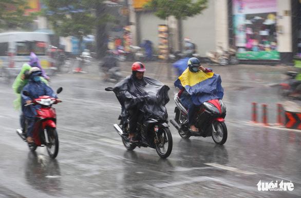 Thời tiết miền Nam ngày giỗ Tổ: Ngày có nắng, chiều tối mưa dông - Ảnh 1.