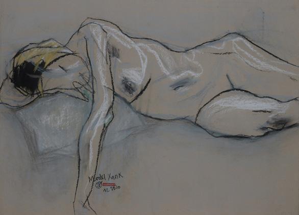 Ngắm ký họa khỏa thân người nước ngoài của họa sĩ Nguyễn Dương Đính - Ảnh 3.