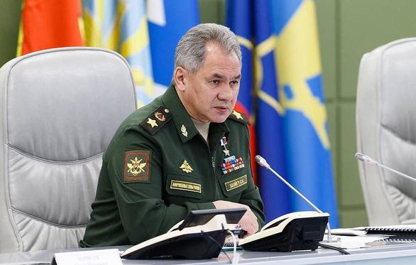 Bộ trưởng Quốc phòng Nga tới Crimea giám sát tập trận lớn - Ảnh 1.
