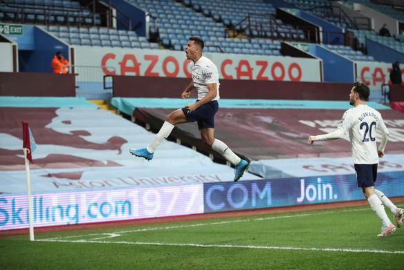 Thắng ngược Aston Villa, Man City tiến gần hơn đến ngôi vô địch - Ảnh 3.