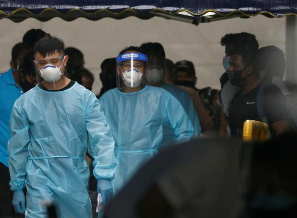 Singapore có ca COVID đã tiêm đủ vắc xin, cấm người từng đến Ấn Độ - Ảnh 1.