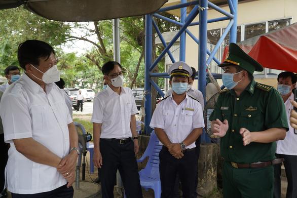 Bộ Y tế đồng loạt kiểm tra phòng chống dịch COVID-19 ở biên giới phía Nam - Ảnh 1.