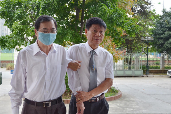 Cựu bộ trưởng Vũ Huy Hoàng nói sức khỏe yếu, xin được ngồi trong lúc xét xử - Ảnh 1.