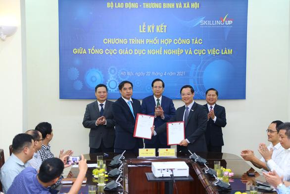 Hai đơn vị của Bộ LĐ-TB&XH bắt tay giảm thất nghiệp - Ảnh 1.