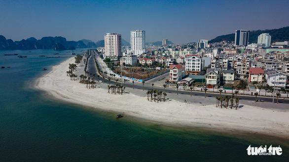 Quảng Ninh bung chuỗi sự kiện hút khách du lịch dịp lễ 30-4 - Ảnh 1.