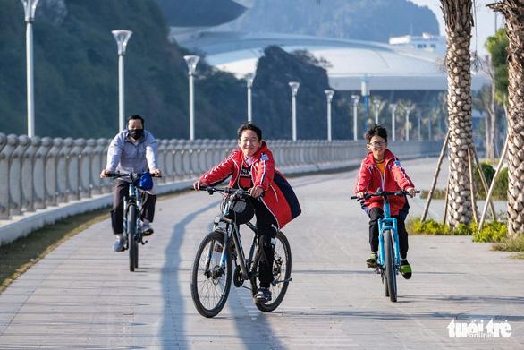 Quảng Ninh bung chuỗi sự kiện hút khách du lịch dịp lễ 30-4 - Ảnh 3.