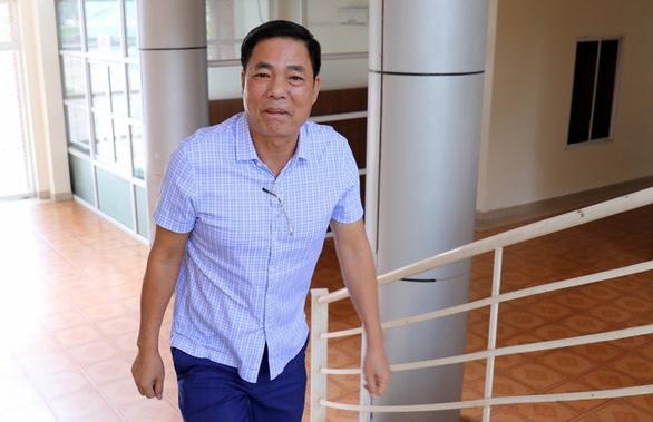 """Ông Trần Mạnh Hùng """"bay"""" ghế chủ tịch CLB Hải Phòng, ông Hoàn """"pháo sáng"""" có thể tiếp quản - Ảnh 1."""