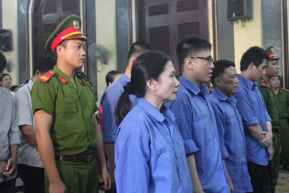 Hoãn phiên tòa xác minh cựu giám đốc Agribank Bến Thành có con nhỏ khi phạm tội - Ảnh 1.