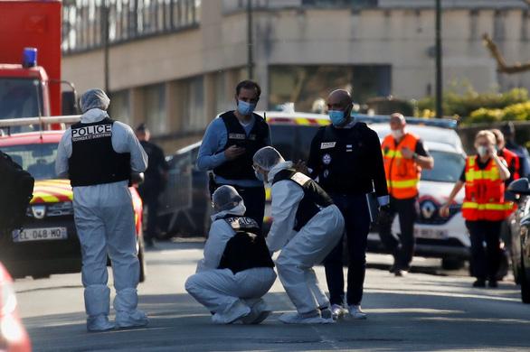 Đâm chết nữ cảnh sát ở Pháp, nghi phạm hét 'Allahu Akbar' theo kiểu IS - Ảnh 1.