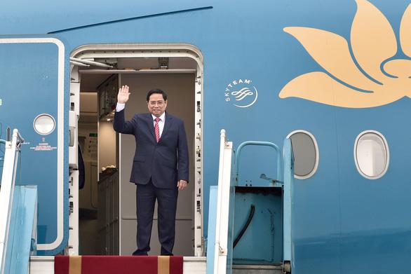 Thủ tướng Phạm Minh Chính tới Indonesia, bắt đầu chuyến công tác nước ngoài đầu tiên - Ảnh 3.