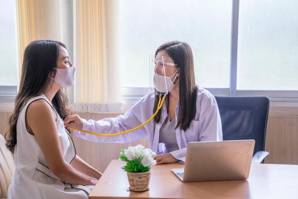 Làm cách nào để bảo vệ bạn trước 3 bệnh hiểm nghèo ung thư, đột quỵ, nhồi máu cơ tim? - Ảnh 2.