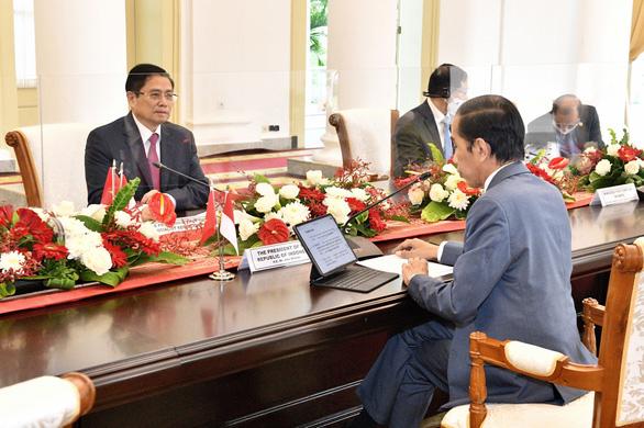 Việt Nam và Indonesia hợp tác cảnh sát biển, đàm phán vùng đặc quyền kinh tế ở Biển Đông - Ảnh 2.