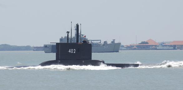 Oxy tàu ngầm Indonesia sắp cạn, Ấn Độ điều tàu lặn giải cứu - Ảnh 2.