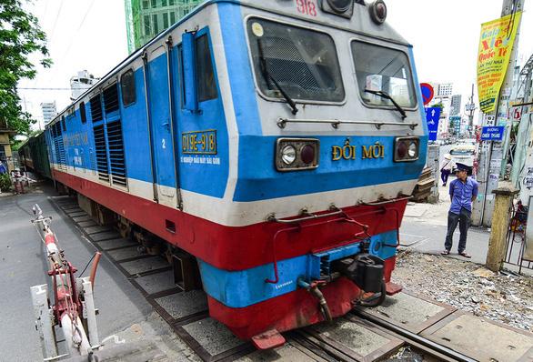 Giao vốn 2.800 tỉ bảo trì cho Tổng công ty Đường sắt là không phù hợp Luật ngân sách - Ảnh 1.
