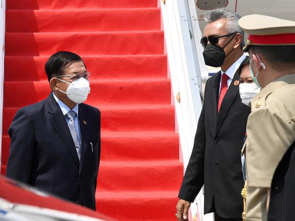 Thống tướng Myanmar Min Aung Hlaing đã tới Indonesia - Ảnh 1.