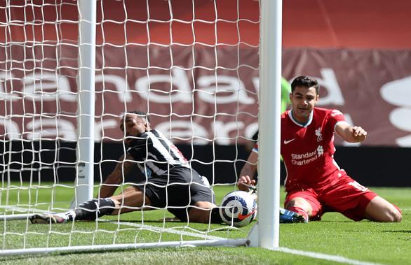 Liverpool đánh rơi chiến thắng ở phút 90+5 - Ảnh 3.