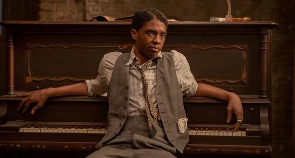 Nhà cái đang gọi tên Chadwick Boseman, Youn Yuh Jung, Chloé Zhao... tại Oscar 2021? - Ảnh 3.