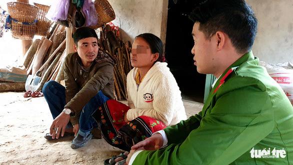 Ba bà bầu từ Nghệ An vượt biên sang Trung Quốc bán bào thai - Ảnh 1.