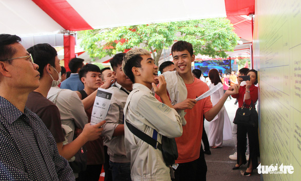 Hà Nội tổ chức phiên giao dịch việc làm: Gần 1.000 việc làm cho học sinh, sinh viên - Ảnh 2.