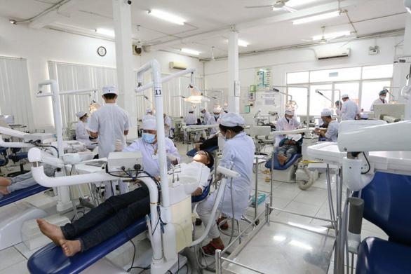Nhu cầu việc làm khối ngành sức khỏe tăng mạnh sau đại dịch COVID-19 - Ảnh 1.