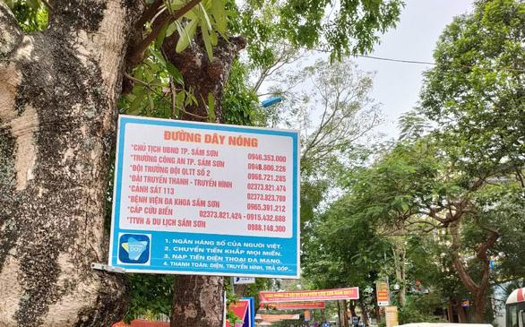 Sầm Sơn công bố một loạt số điện thoại chống 'chặt chém' khách du lịch - Ảnh 2.