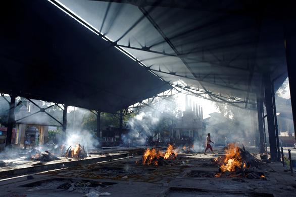 New York Times: Ấn Độ khủng hoảng thực sự, số người chết vì COVID-19 cao hơn báo cáo - Ảnh 2.
