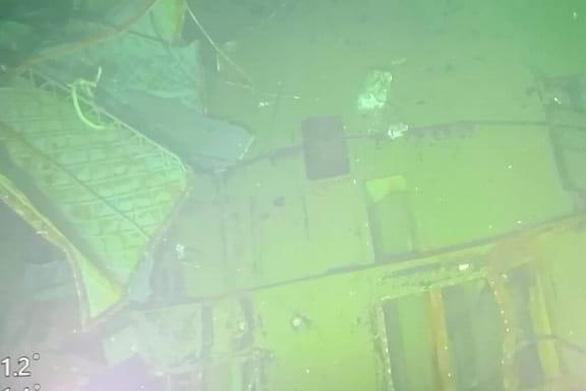 Hình ảnh đầu tiên về tàu ngầm KRI Nanggala-402 bị chìm: Vỡ thành 3 mảnh - Ảnh 3.