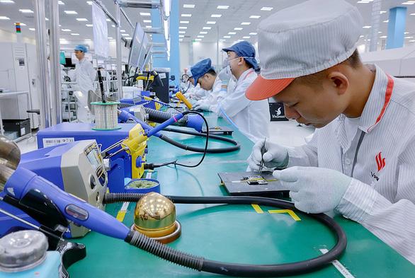 Doanh nghiệp Việt tranh nhau gom chip, ứng phó cơn sốt chip toàn cầu - Ảnh 1.