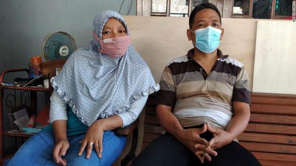 Tàu ngầm Indonesia chìm: Người nhà muốn tìm được con bằng mọi giá - Ảnh 2.