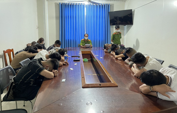 15 thanh niên từ Hải Phòng đến Phú Quốc du lịch, thuê khách sạn phê ma túy - Ảnh 1.