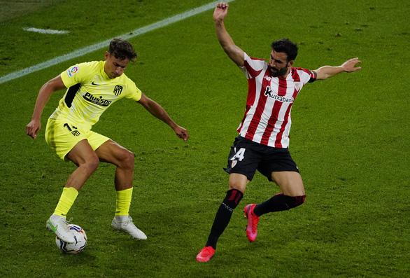 Atletico thua Bilbao, cuộc đua vô địch La Liga thêm hấp dẫn - Ảnh 1.