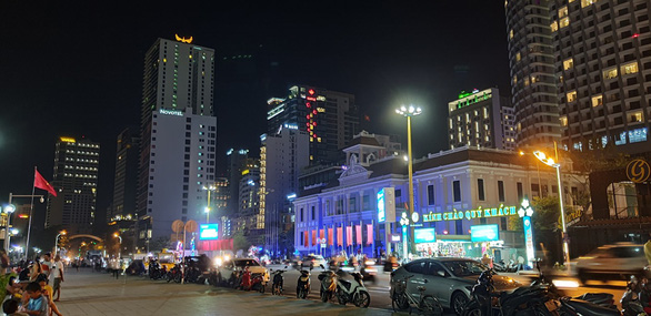 Khánh Hòa vẫn bắn pháo hoa dịp lễ 30-4 và 1-5 - Ảnh 1.