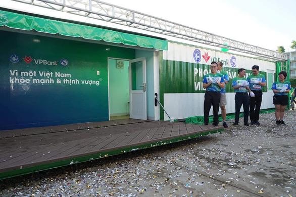 2.000 người chạy mừng ra mắt Phòng khám container miễn phí - Ảnh 1.