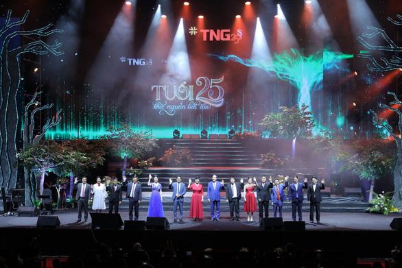 Đêm nhạc kỷ niệm 25 năm đầy cảm xúc của Tập đoàn TNG Holdings Vietnam - Ảnh 1.