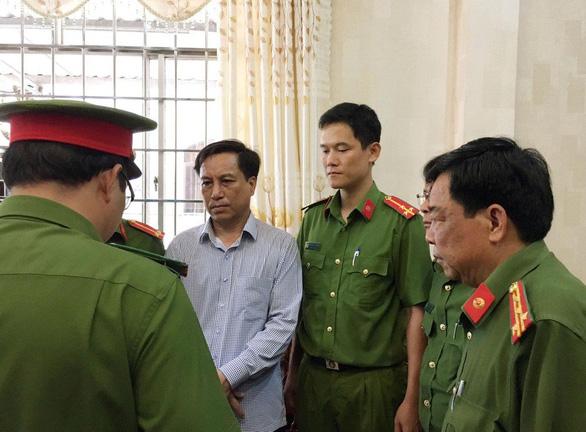 Cựu lãnh đạo UBND TP Trà Vinh gây thất thoát gần 70 tỉ đồng - Ảnh 1.