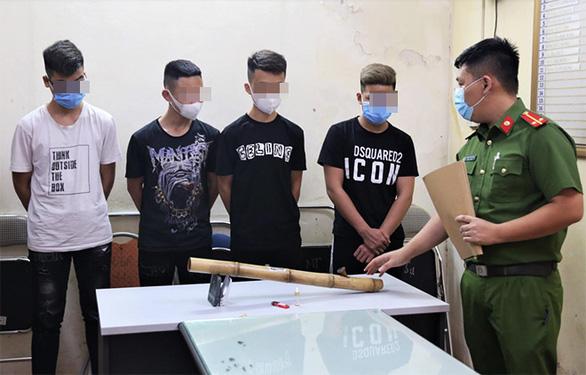 4 học sinh THPT tẩm ma túy vào thuốc lào để hút - Ảnh 1.
