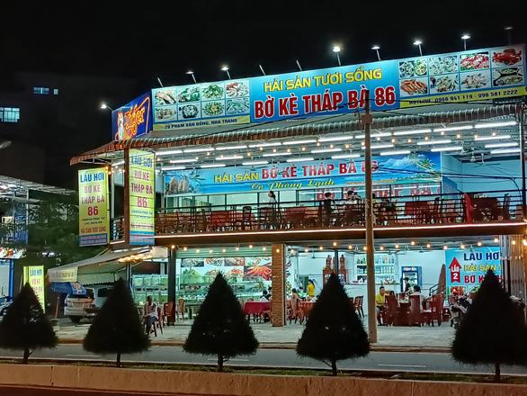Kiểm tra nhà hàng bị khách tố bán ốc hương 1,8 triệu đồng/kg - Ảnh 3.