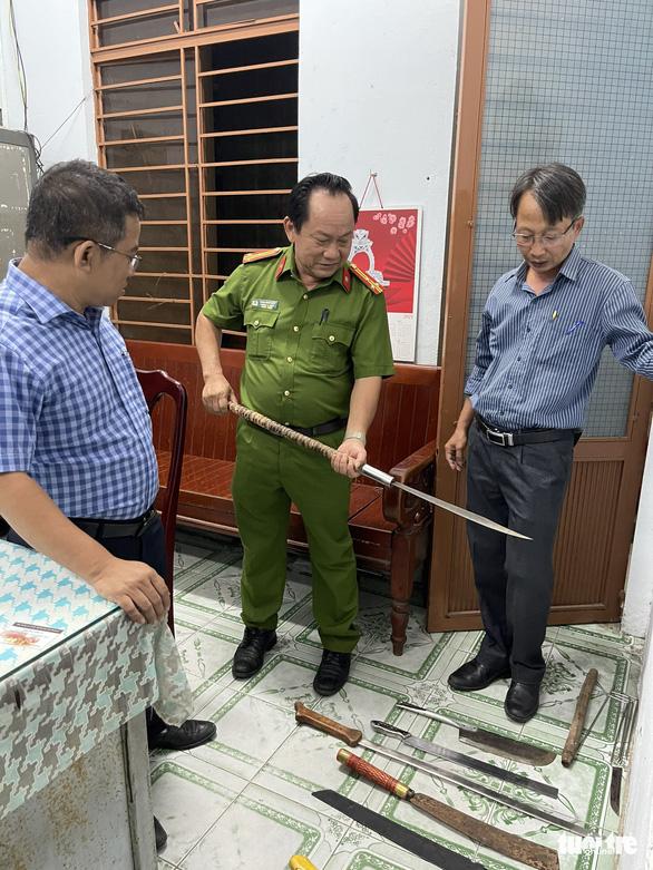 Đà Nẵng: Truy bắt hai băng nhóm côn đồ hỗn chiến náo loạn đường phố - Ảnh 2.