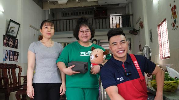 Lê Dương Bảo Lâm chia sẻ trải nghiệm tự tay giao hàng cho fan như 1 shipper thực thụ - Ảnh 5.