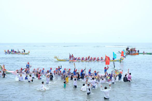 Cuộc đua trăm năm trên biển Lý Sơn - Ảnh 3.