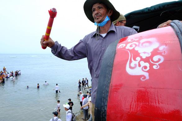 Cuộc đua trăm năm trên biển Lý Sơn - Ảnh 4.