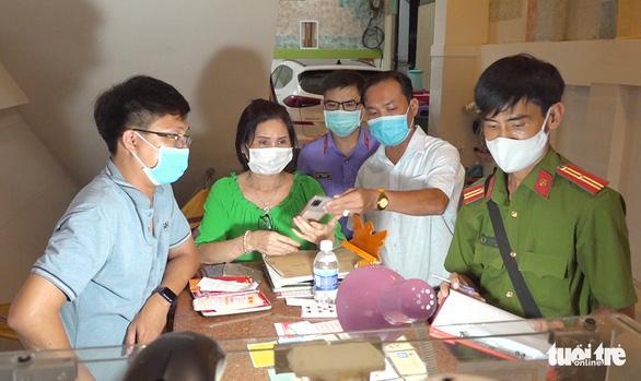 Khởi tố, tạm giam 3 người tổ chức cho người Trung Quốc xuất cảnh trái phép sang Campuchia - Ảnh 1.