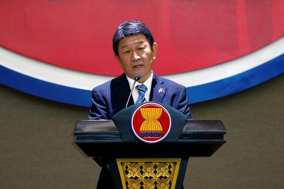 Bộ trưởng ngoại giao Việt Nam và Nhật Bản điện đàm, bàn về Myanmar và Biển Đông - Ảnh 1.
