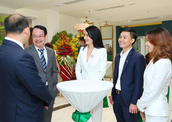Văn phòng Meyhomes Capital Phú Quốc mới khai trương có gì đặc biệt? - Ảnh 6.