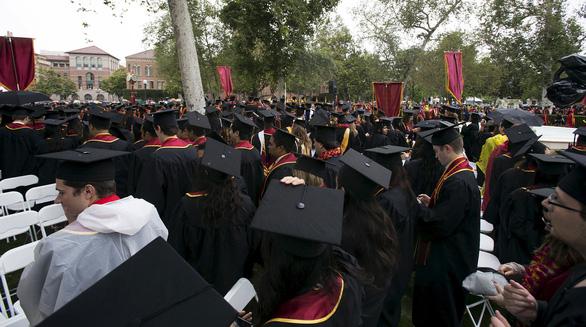 Ông Biden sẽ giảm hạn chế với du học sinh Trung Quốc, Iran, Brazil - Ảnh 1.